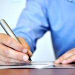 Vam pisanje besedil za vašo spletno stran povzroča sive lase?